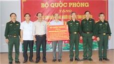 Bộ Quốc phòng trao phương tiện, trang thiết bị tặng Trung tâm Điều dưỡng Người có công tỉnh Quảng Trị