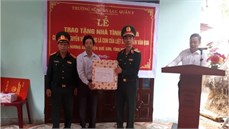Trường Sĩ quan Lục quân 2 trao nhà tình nghĩa tặng đối tượng chính sách trên địa bàn huyện Quế Sơn, tỉnh Quảng Nam