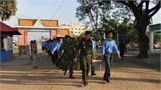 Đội K73/Bộ CHQS tỉnh Long An di chuyển 86 hài cốt liệt sĩ quân tình nguyện Việt Nam hy sinh qua các thời kỳ tại Campuchia về nước