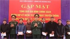 Học viện Quân y tổ chức gặp mặt truyền thống và tặng quà gia đình chính sách nơi ngày đầu thành lập