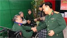 Bộ Tổng Tham mưu thăm, tặng quà Trung     tâm Điều dưỡng thương binh Duy Tiên, Trung tâm Nuôi dưỡng thương binh nặng và Điều dưỡng người có công tỉnh Hà Nam