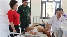 Bộ Chỉ huy BĐBP tỉnh Ninh Bình khám bệnh, cấp thuốc miễn phí và tặng quà đối tượng chính sách tại huyện Kim Sơn, tỉnh Ninh Bình