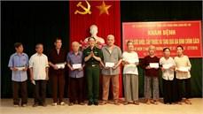 Bộ Tư lệnh Thủ đô Hà Nội và Bệnh viện TWQĐ 108 phối hợp tổ chức khám bệnh, cấp thuốc miễn phí, tặng quà đối tượng chính sách trên địa bàn xã Đại Hưng, huyện Mỹ Đức, thành phố Hà Nội