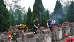 Thượng tướng Bế Xuân Trường dâng hương tưởng niệm các anh hùng liệt sĩ, tặng quà đối tượng chính sách trên địa bàn huyện Vị Xuyên (tỉnh Hà Giang)