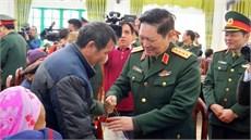 Đoàn đại biểu Quân ủy Trung ương, Bộ Quốc phòng tổ chức hành quân về nguồn, tri ân người có công với cách mạng tại tỉnh Cao Bằng