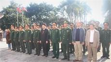 Quân ủy Trung ương, Bộ Quốc phòng dâng hương tưởng niệm các anh hùng liệt sĩ và thăm, tặng quà Bà mẹ Việt Nam anh hùng, các gia đình chính sách, người có công với cách mạng trên địa bàn  huyện Anh Sơn, tỉnh Nghệ An