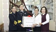 Bộ Tư lệnh Quân chủng Hải quân thăm hỏi, tặng quà các gia đình chính sách trên địa bàn thành phố Hải Phòng