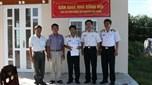 Vùng 5 Hải quân trao tặng nhà đồng đội
