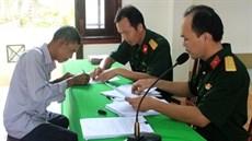 Ban Chỉ huy quân sự huyện Chợ Gạo, tỉnh Tiền Giang chi trả trợ cấp cho đối tượng tham gia kháng chiến