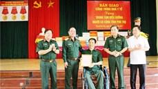 Bộ Tư lệnh Quân khu 2 bàn giao nhà y tế tặng Trung tâm Điều dưỡng người có công tỉnh Phú Thọ