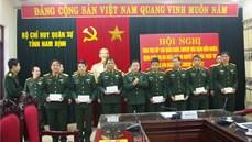 Bộ CHQS tỉnh Nam Định trao tiền hỗ trợ  quân nhân mắc bệnh hiểm nghèo và trẻ em khuyết tật
