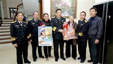 Quân chủng Hải quân thăm, tặng quà các đối tượng chính sách tại thành phố Hải Phòng