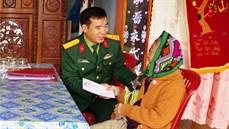Sư đoàn 968/Quân khu 4 thăm, tặng quà đối tượng chính sách, người có công trên địa bàn và trong đơn vị