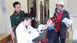 Bệnh viện Quân y 7/Cục Hậu cần Quân khu 3 khám bệnh và cấp thuốc miễn phí cho các đối tượng chính sách ở tuyến đảo Đông Bắc