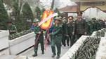 Ban Chỉ huy quân sự huyện Thạch Hà, tỉnh Hà Tĩnh tổ chức cho các thanh niên chuẩn bị lên đường nhập ngũ dâng hương tưởng niệm tại Ngã ba Đồng Lộc