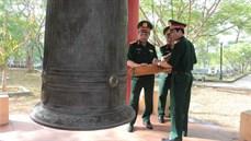 Thường vụ Đảng ủy, Bộ Tư lệnh Quân khu 4  tổ chức dâng hương, dâng hoa kính viếng các anh hùng liệt sĩ