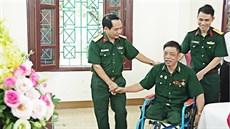 Bệnh viện Trung ương Quân đội 108 thăm, tặng quà Trung tâm Điều dưỡng thương binh trên địa bàn tỉnh Hà Nam