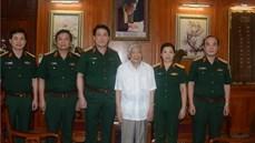 Đồng chí Thượng tướng Lương Cường thăm hỏi, tặng quà nguyên Tổng Bí thư Lê Khả Phiêu và các đồng chí nguyên Chủ nhiệm Tổng cục Chính trị