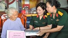 Ban Phụ nữ Quân đội/TCCT thăm, tặng quà Bà mẹ Việt Nam anh hùng, anh hùng lực lượng vũ trang nhân dân trên địa bàn tỉnh Bình Thuận